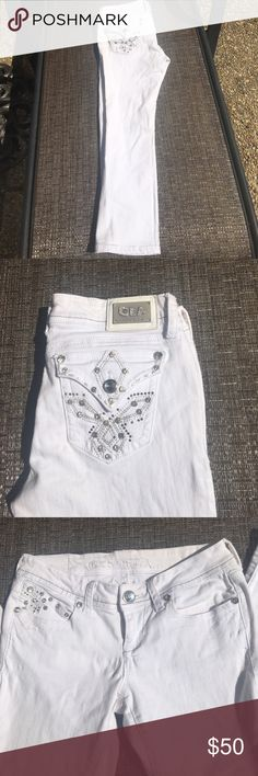 Grace in L.A. capris Really cute white Capri jeans with rhinestones! grace in L.A. Jeans Ankle & Cropped