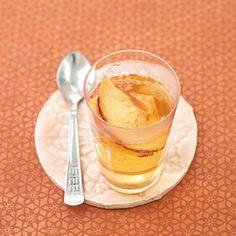 Dieser fruchtige Tee mit Apfelstücken schmeckt auch ohne zusätzliches Aroma sehr lecker! Reine getrocknete Apfelstücke, können auch mitgegessen werden...