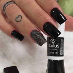 58 Cute And Elegant Acrylic Black Nails Design Ideas For Short Nails - Nails Art Ideas - Nagel Black Nails, White Nails, Black Nail Designs, Halloween Nail Art, Nagel Gel, Creative Nails, Trendy Nails, Manicure And Pedicure, Toe Nails