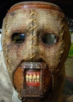 Halloween Scary Clown Mask w/ Hair for Adults, Horror Halloween Costume Props (Yellow Eye) Scary Clown Mask, Creepy Masks, Cool Masks, Creepy Art, Creepy Dolls, Horror Halloween Costumes, Creepy Halloween, Halloween Masks, Burlap Halloween