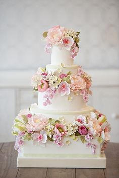 Floral Wedding Cakes Snippets Whispers and Ribbons – Delightful and Delicious Spring Wedding Cake Ideas - Mouth-wateringly pretty Spring wedding cake decorations Fondant Wedding Cakes, Floral Wedding Cakes, Wedding Cakes With Flowers, Elegant Wedding Cakes, Beautiful Wedding Cakes, Gorgeous Cakes, Wedding Cake Designs, Pretty Cakes, Flower Cakes