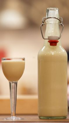 Eggnog Tim Mälzer - # Eggnog # Mälzer Eggnog Tim Mälzer - # Maltster You are in the right place about Whiskey drink glass Here we offer you the most beautiful pictures about the Whiskey drink cocktails you are looking for. Jameson Whiskey Drinks, Whiskey Cocktails, Cooking Chef Gourmet, Whiskey Recipes, Gin Recipes, Homemade Liquor, Schnapps, Cocktail Drinks, German Recipes