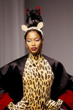 1994 Naomi Campbell in Guy Laroche