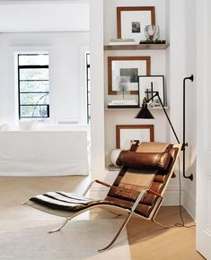 Fabien Baron and Ludivine Poiblanc's knack for editing makes for easygoing elegance at their Greenwich Village townhouse Grasshopper Lamp, Lampe Gras, Kitchen Nook, Cozy Corner, Mid Century Modern Design, Minimalist Home, Interior Inspiration, Design Inspiration, Beautiful Homes