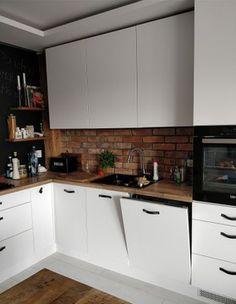 STARA CEGŁA CIĘTA LICA STAREJ CEGŁY ROZBIÓRKOWEJ 7619002564 - Allegro.pl Modern Kitchen Interiors, Interior Design Kitchen, Brick Interior, Diy Kitchen Storage, Kitchen Models, New Kitchen, Sweet Home, Kitchen Cabinets, House Design