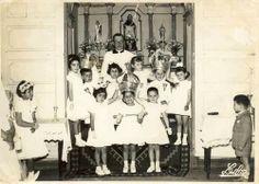 Finais 1950s, Angra do Heroísmo, Ilha Terceira    Crianças na coroação do Espírito Santo na Quinta de São Diogo