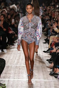 Isabel Marant Spring 2020 Ready-to-Wear collection, runway looks, beauty, models, and reviews. Fashion Wear, Fashion 2020, Runway Fashion, Fashion Brands, High Fashion, Womens Fashion, Paris Fashion, Isabel Marant, Vogue Paris