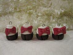 Cupcakes - Kuku Bat #polymerclay #handmade #diy #kawaii #charms #sprinkles #cute #adorable #bow