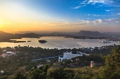 Udaipur fondly called as the Venice of East has many attractions for tourists. Here is an itinerary to cover all attraction of Udaipur in 24 hours. Udaipur India, Venice, Temple, Waterfall, Places To Visit, Asia, Heaven, Journey, River