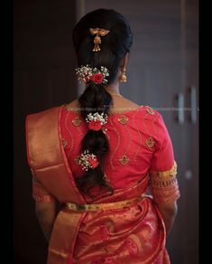 Image may contain: one or more people and people standing South Indian Wedding Hairstyles, Bridal Hairstyle Indian Wedding, Bridal Hair Buns, Indian Bridal Outfits, Bridal Braids, Bridal Hairdo, Indian Hairstyles, Hairdo Wedding, Wedding Stage