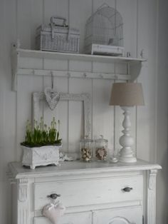 littlewhiteheaven.blogspot.com.