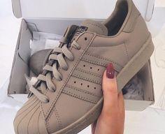 new concept 67e90 ca3d2 Adidas Adidas Schuhe Braun, Nike Damenschuhe, Nike Schuhe, Schöne Schuhe, Adidas  Superstar