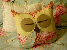 Owl Pillow - very cute pattern:)