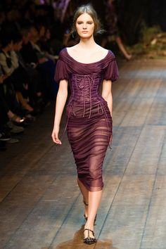 3. Bishop Sleeve: Dolce & Gabbana Fall 2014 Ready-to-Wear Collection.  D&G mimic the linear pleating of the 19th century bishop sleeve, but alter the length by shortening above the elbow.