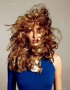 Alina Baikova by Kerry Hallihan for Numéro Tokyo January / February 2011 People Photography, Beauty Photography, Wind Blown Hair, Facon, Messy Hairstyles, Model Photos, Her Hair, Hair Inspiration, Curly Hair Styles