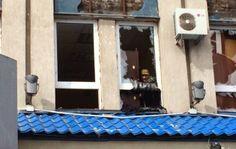 ΤΟ ΚΟΥΤΣΑΒΑΚΙ: Ελεύθεροι σκοπευτές της Ουκρανίας παίρνουν θέση στ... Βίντεο που αναρτήθηκε πριν από λίγο στο διαδίκτυο καταγράφει τους ελεύθερους σκοπευτές του ουκρανικού στρατού να παίρνουν θέσεις στο κτίριο του κρατικού Πανεπιστημίου στο Λουγκάντσκόπου οι Ρώσοι έχουν καταλάβει το κυβερνείο της πόλης.