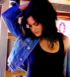 cheryls-bombshell: (x) : Lili Reinhart Source Female Actresses, Actors & Actresses, Mtv, Camila Mendes Veronica Lodge, Camila Mendes Riverdale, Riverdale Veronica, Riverdale Netflix, Camilla Mendes, Epic Cosplay
