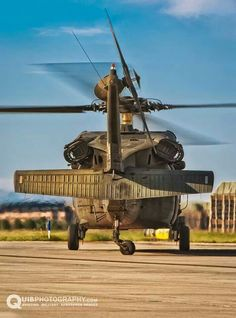 my,my,my,look at that ass! Black Hawk, Military Equipment, Aviation Art, War Machine, Helicopters, Military Aircraft, Fighter Jets, Maine, Army