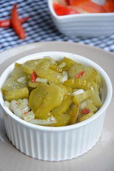 Pikantna sałatka z ogórków kiszonych