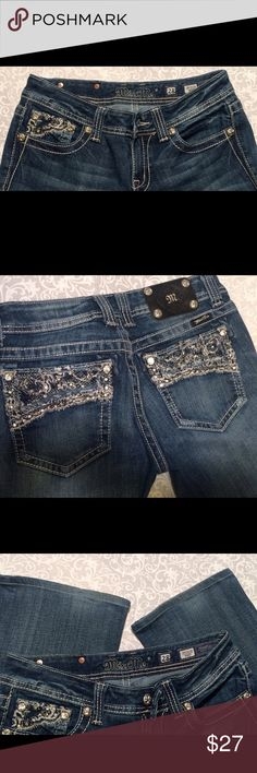 """Miss Me bootcut Size 28. 31"""" inseam Miss Me bootcut Size 28. 31"""" inseam   Awesome condition!! Miss Me Jeans Boot Cut"""