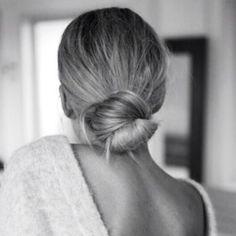 Low bun perfection Image via Pinterest #hair #bun #beauty