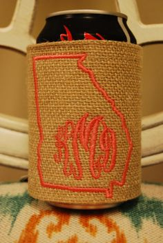 What's better than showing your state pride with your monogram!?! This burlap koozie is a great gift for you and your GA peaches.    Please make sure to enter the initials in the EXACT order that you would like them. Monograms are typically: First Name Initial, LAST Name Initial, Middle Name Initial. For example, Katie Davis Moore would be listed as KMD. Please allow 3 days.