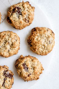 These Chocolate Chunk Tahini Oatmeal Cookies are made with only a handful of ingredients and are naturally vegan, gluten-free and refined sugar-free. Healthy Cookie Recipes, Nutella Recipes, Healthy Cookies, Healthy Sweets, Healthy Baking, Vegan Desserts, Baking Recipes, Delicious Desserts, Dessert Recipes