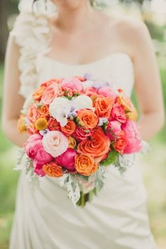 gorgeous orange and pink bouquet from Lamb's Palisades Floral // photo by Anna Jaye