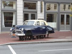 Delectable Cuban Art in downtown Louisville, hard by Hotel C-21. You can park this bad boy anywhere.
