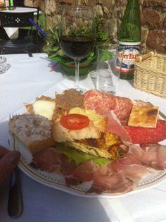 At Osteria del Conte, Montepulciano (photo by LocandaSanFrancesco #Boutiquehotel + www.locandasanfrancesco.it)