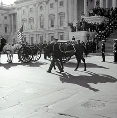 11/24/63: JFK's body arrives at the U.S. Capitol, to lie in state.