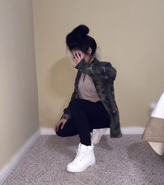 Girly Tomboy // Camo Jacket, Tan/Nude T-shirt, Black Jeans, White Timberlands Tumblr Outfits, Dope Outfits, Fall Outfits, Casual Outfits, Ghetto Outfits, Casual Dresses, Timberland Outfits, Teen Fashion, Fashion Outfits