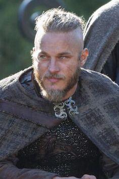 Sexy Viking Ragnar _Travis Fimmel
