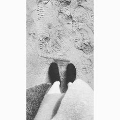Little feets #girl#feets#sand#beach#sea#fre#freedom#girl#shoes#inspo#insta#blackandwhithe#hashtag#greatoceanroad#travel#traceling#life#world#outfit#wool#warm#pic#picoftheday#photography#photographer#australia by kibunspirit