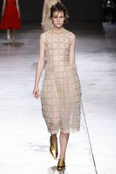 Simone Rocha - Fall 2014 Ready-to-Wear - Look 36 of 38