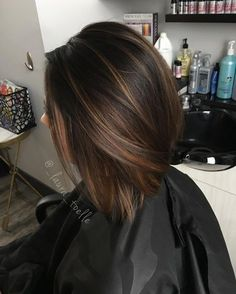 Caramel balayage! Another way that balayage allows me to create a unique look for my guest! #balayage #darkbrown #omahastylist #omahahair #behindthechair #btc #handpainted #lauraatLKstudios #lkhairstudios #modernsalon