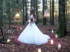 Kaldt, men flott om høsten. Wedding Fair, Photoshoot, Wedding Dresses, Pictures, Fashion, Bride Dresses, Photos, Moda, Bridal Gowns