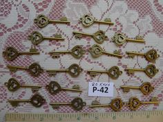 Hey, I found this really awesome Etsy listing at http://www.etsy.com/listing/125910843/20-replica-skeleton-keys-p-42