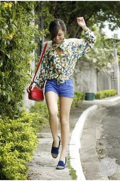 green WAGW top - ruby red sm acc bag - navy primaluxe manila flats