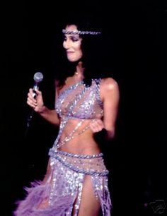 icons Cher in her Bob Mackie costume sings quot; 70s Inspired Fashion, 70s Fashion, Vintage Fashion, Fashion Outfits, Stage Outfit, Divas, Cher Photos, Cher Bono, Bob Mackie