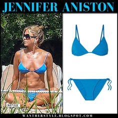 Jennifer Aniston in bright blue bikini by the pool Jeniffer Aniston, Jennifer Aniston Pictures, Jennifer Aniston Style, Blue Bikini, Sexy Bikini, Bikini Girls, Bikini Tops, Nancy Dow, Taylor Swift Bikini