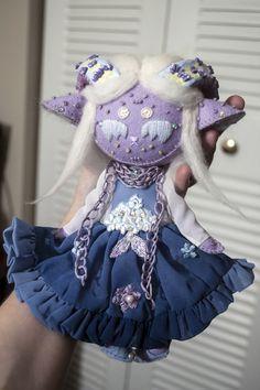 Plushie Patterns, Doll Patterns, Felt Dolls, Plush Dolls, Dolls Dolls, Doll Crafts, Cute Crafts, Creepy Stuffed Animals, Monster Dolls