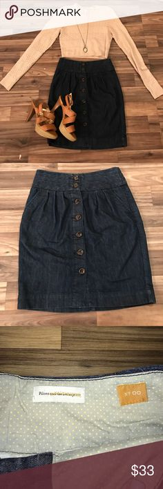 ❤️ANTHROPOLOGIE Pilcro button up denim skirt 00❤️ Great year round skirt!! Pilcro - purchased at Anthropologie. no stains or tears. feel free to ask questions! Anthropologie Skirts