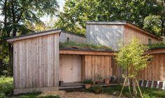 Japanese architect Makoto Suzuki has designed his own live-work space made up of interlocking timber-clad buildings near Sapporo on Hokkaido island. Cabin Design, House Design, Piscina Interior, Timber Cabin, Cool Tree Houses, Small Houses, Japanese Architecture, Modern Architecture, Cabin Homes