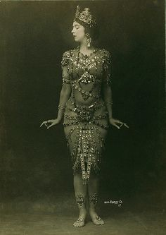 Ruth St. Denis, original name Ruth Dennis (born January 20, 1879, Newark, New Jersey, U.S. — died July 21, 1968 in Los Angeles, California). American contemporary dance innovator who influenced almost every phase of American dance.