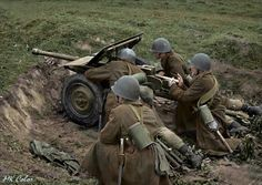 Polish Infantry with anti-tank gun cal 37 mm Bofors. Poland Ww2, Invasion Of Poland, Ww2 Pictures, Ww2 Photos, Ww2 History, Military History, Red Army, Dieselpunk, Armed Forces