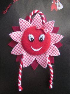 Baba Marta, Paper Cutting, Felt, Facebook, Christmas Ornaments, Cool Stuff, Holiday Decor, School, Places
