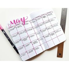 And the grid monthly makes a grand return in my May set up! Never thought I'd use it but now a useful purpose - to track some social media and blogging notes throughout the month while I'm out and about. Check out the rest of my setup on the blog! #planwithmechallenge