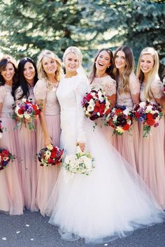 """This squad takes """"pretty in pink"""" to the next level! Are we right or are we right? 😏 