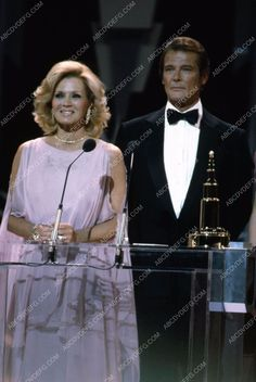 Angie Dickinson Roger Moore 1982 Theater Dinner Awards 35m-2801